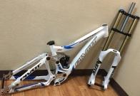 Combo Set !!! เฟรม PIVOT PHOENIX DH + โช๊ค FOX Racing Shox 40